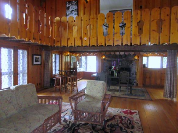Thunderbird Living Room